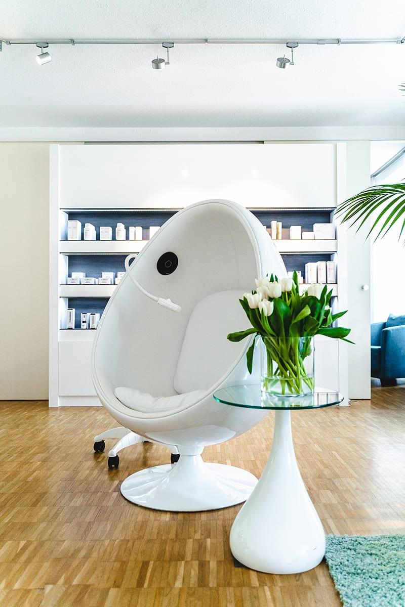 Sitztgelegenheit und Produkte für Bleaching in Konstanz